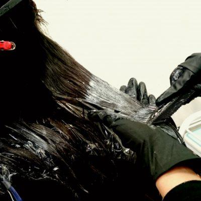 黒染めしている髪の注意点